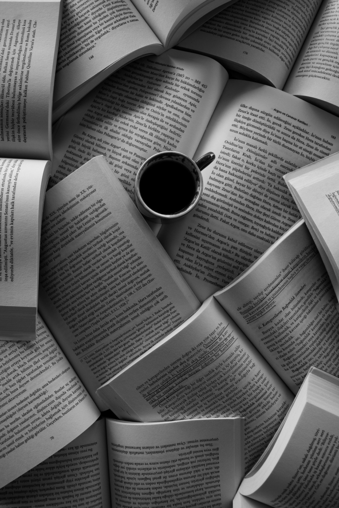 books-5100847_1920