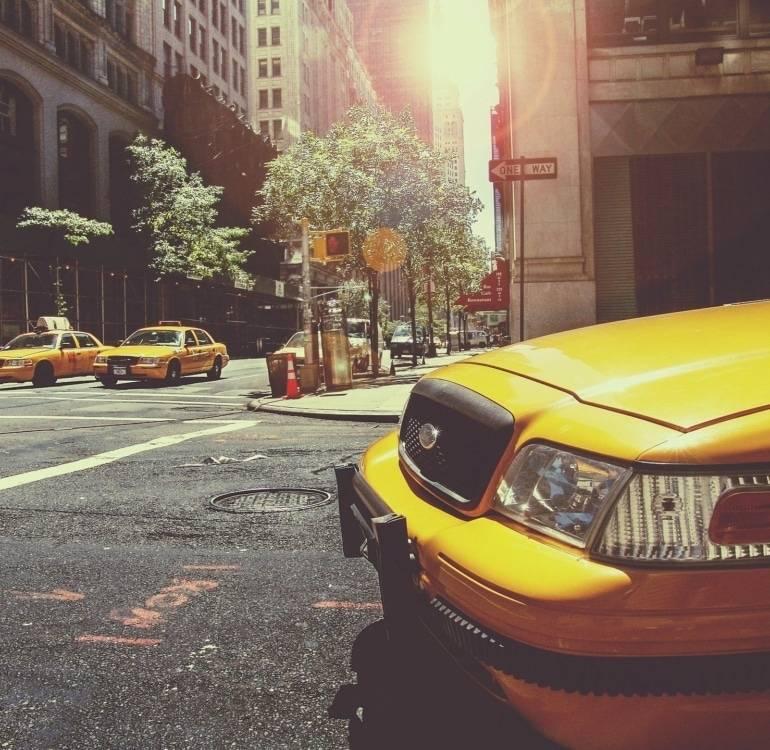 taxi-238478_1920-1-770x750